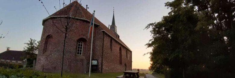 Mariakerk bij zonsondergang